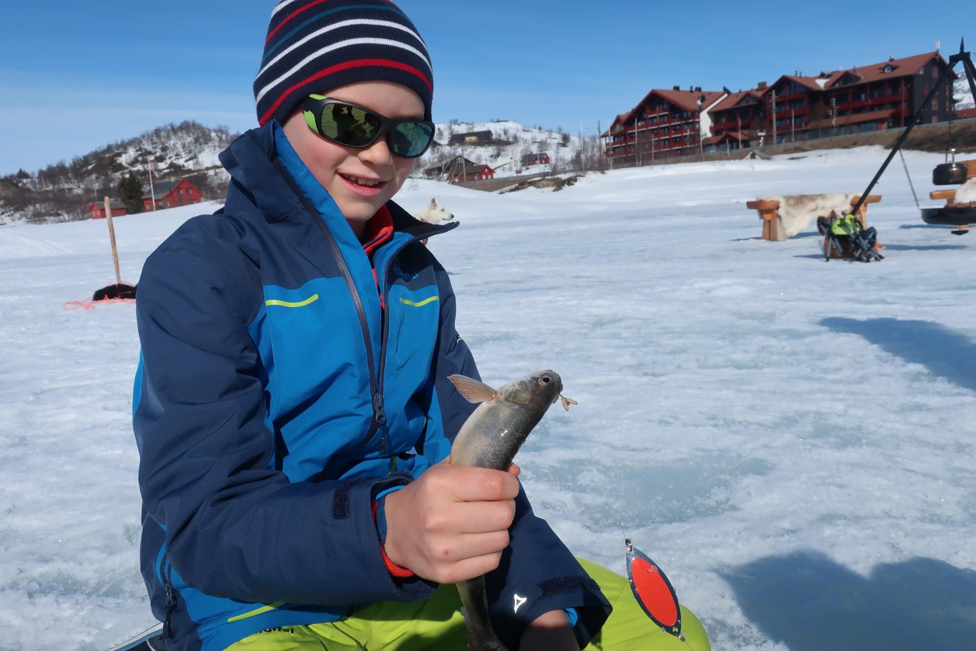 Isfiske på fjorden